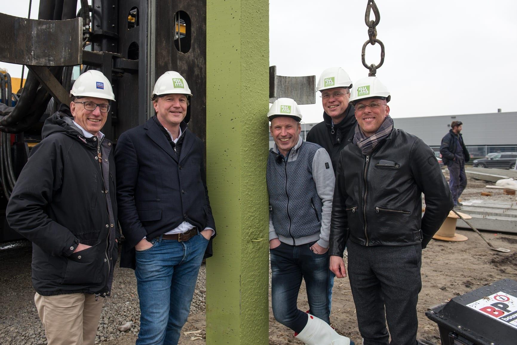 Nieuwbouw bedrijfspand Euroma Zwolle - feestelijke paal