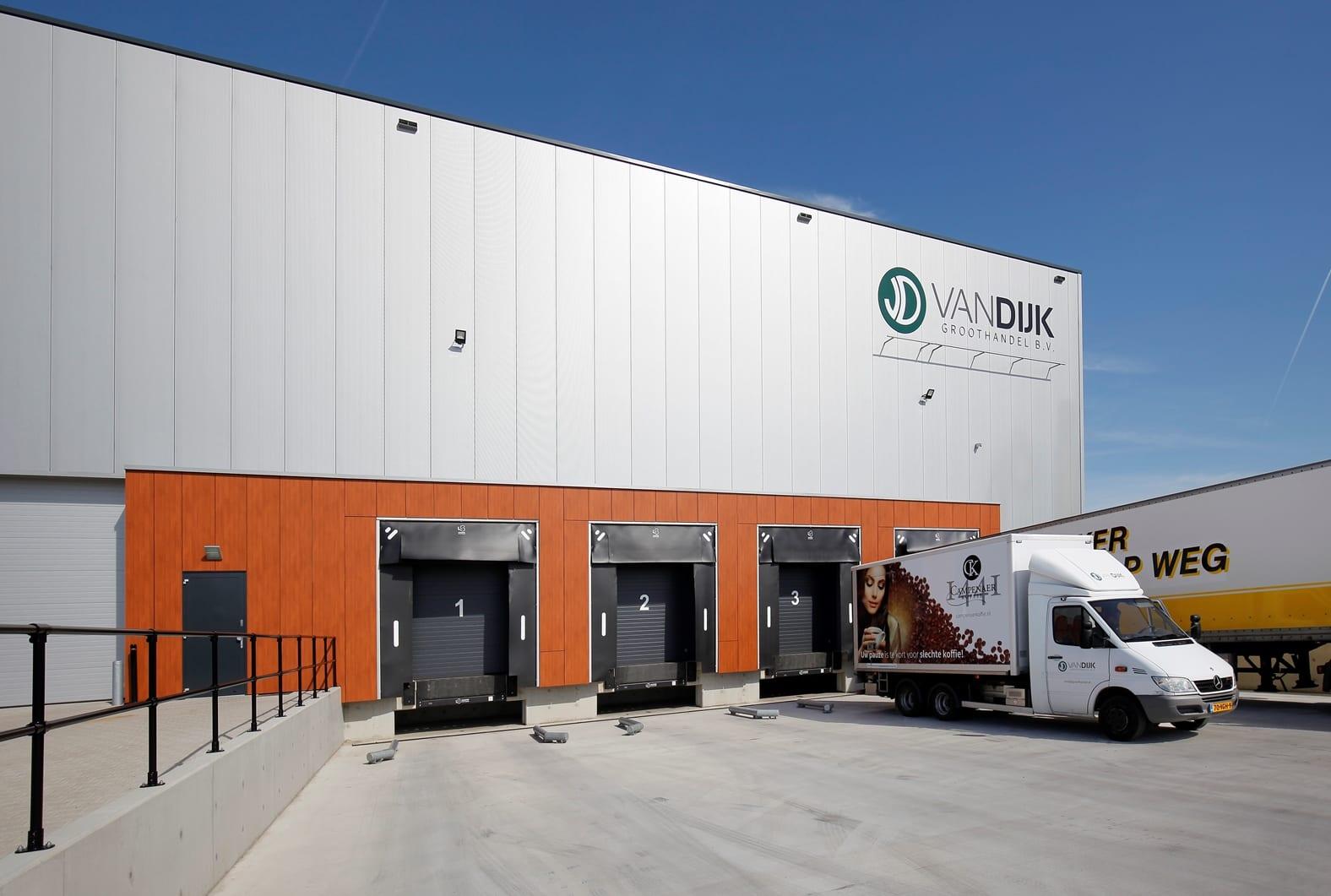 Energieneutraal distributiecentrum Van Dijk Groothandel Kampen